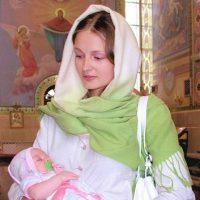 Когда женщине можно идти в церковь после родов