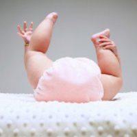 Почему новорожденный может не какать несколько дней