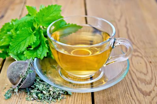 Травяной чай с мелиссой